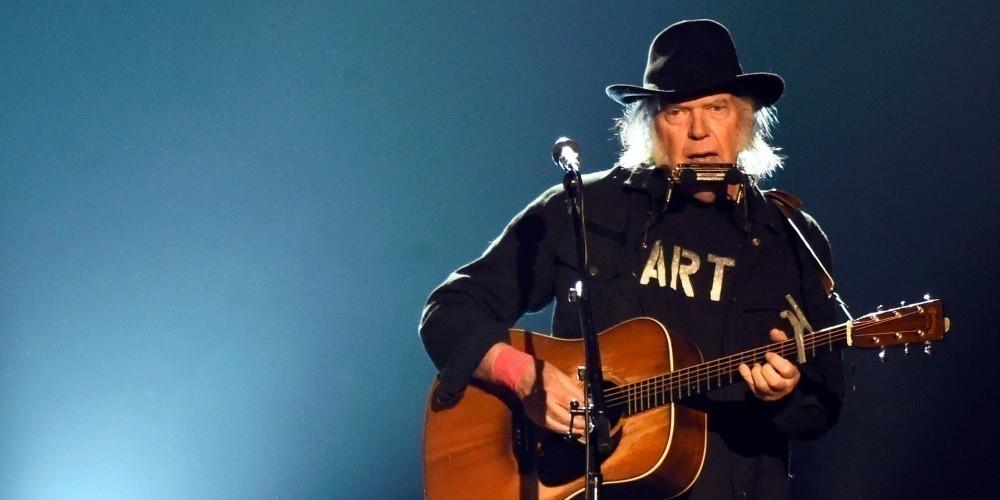 Neil Young canta contra monsanto