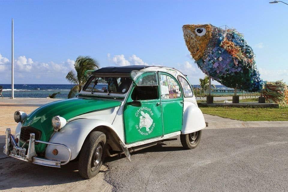 pareja que recorre Latinoamérica- Citroën 3 CV modelo '77