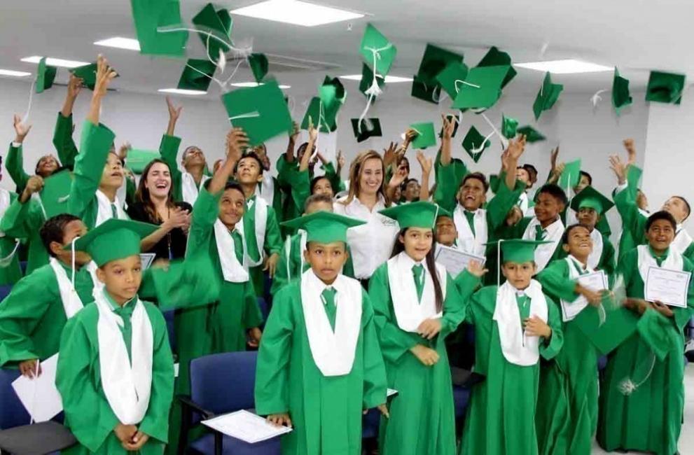 graduación de niños en colombia- trabajo infantil