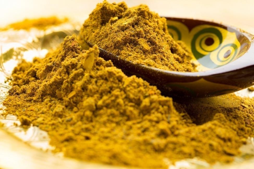 alimentos para deshinchar el abdomen - curry