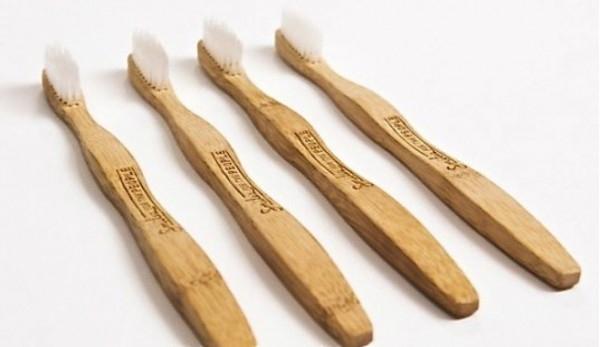 Cepillo-de-dientes-de-bambu-biodegradable (1)