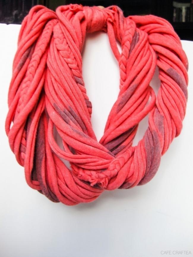 Ideas para hacer con una vieja remera  - bufanda