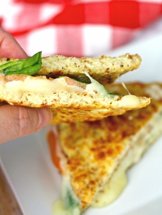 Sándwich de coliflor sin harinas - con queso