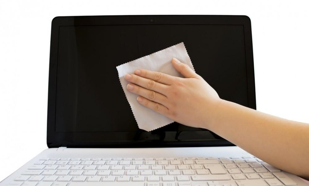 cuidados pantalla de la computadora- limpiar