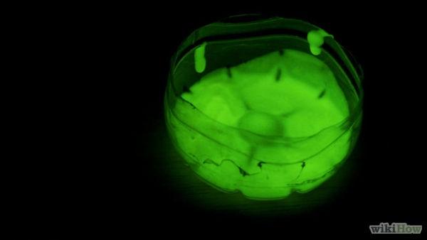 670px-Make-Glow-in-the-Dark-Paint-Step-5-Version-2
