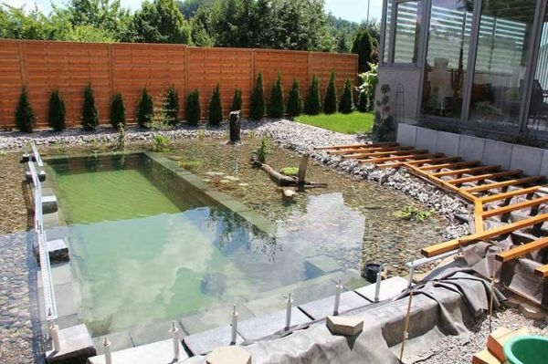 piscina-natural-de-piedra-24