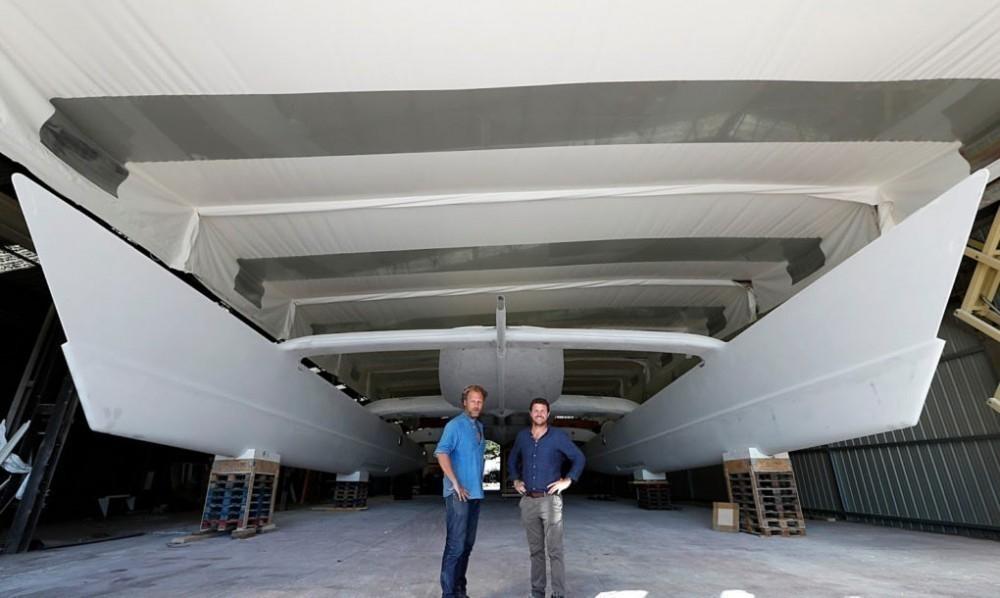 barco energía solar, eólica y combustible de hidrógeno