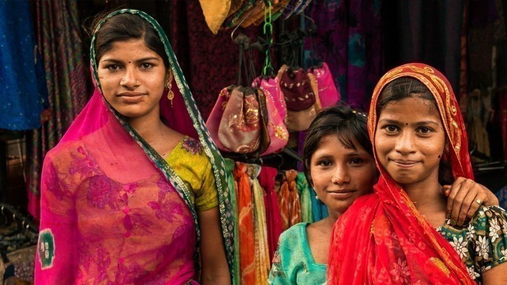 pueblo indio de Piplantri- mujeres