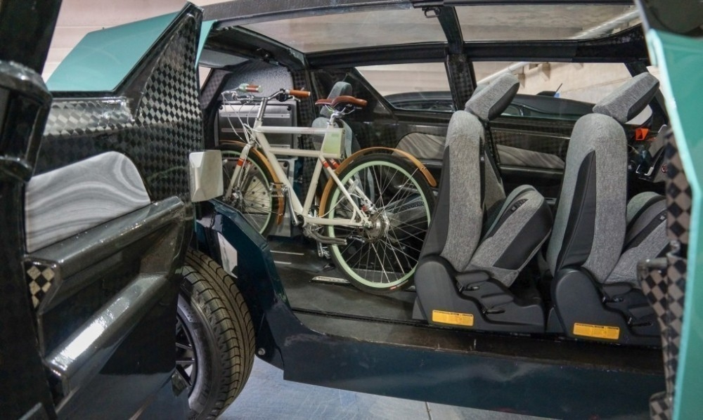 Un auto eléctrico, ¡con interior flexible! -toyota- interior