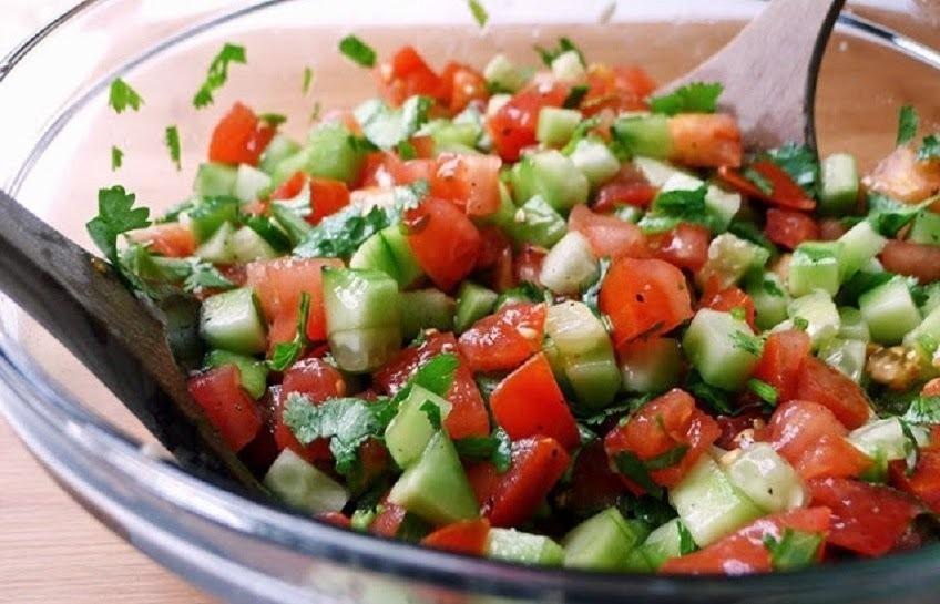 ensalada diuretica con pepino- preparación
