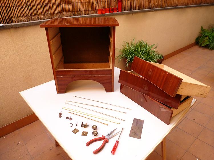 Cómo restaurar un mueble con estilo azteca- materiales