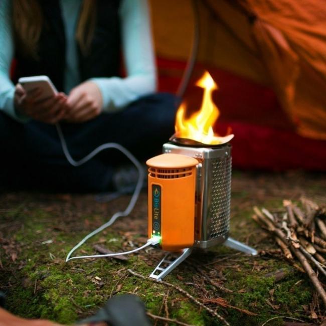 cocina para campamento donde además puedes cargar tu celular