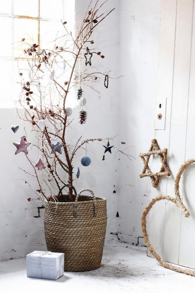 Árboles de Navidad para espacios pequeños - árbol seco