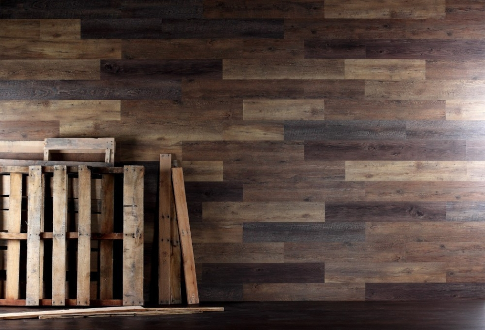 pared con pallets-materiales