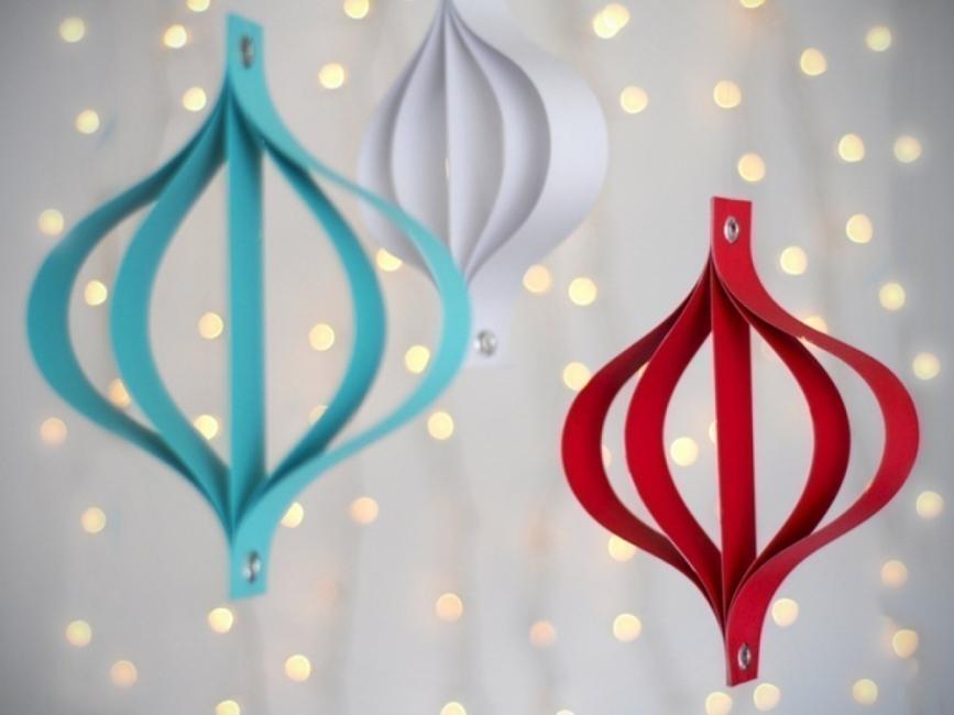 20 ideas navideñas para decorar tu hogar en menos de una hora- colgantes de papel