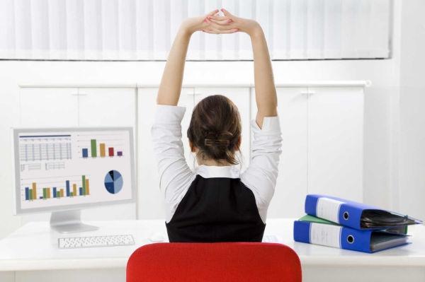 Ejercicios-de-estiramiento-en-la-oficina