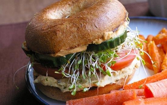 sandwich-de-hummus-vegan-vegetariano