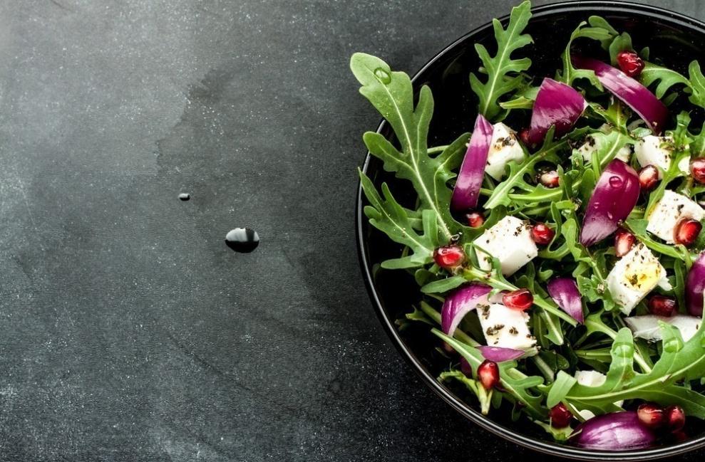 10 maneras de bajar de peso mientras duermes- cena liviano