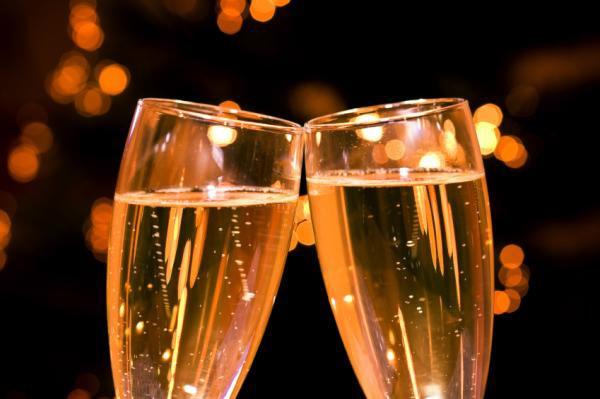 un-poco-de-historia-de-champagnes-cavas-y-espumosos