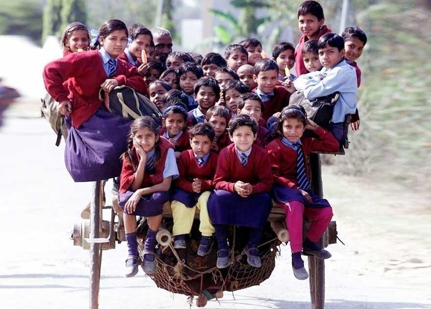 camino a la escuela por tierra