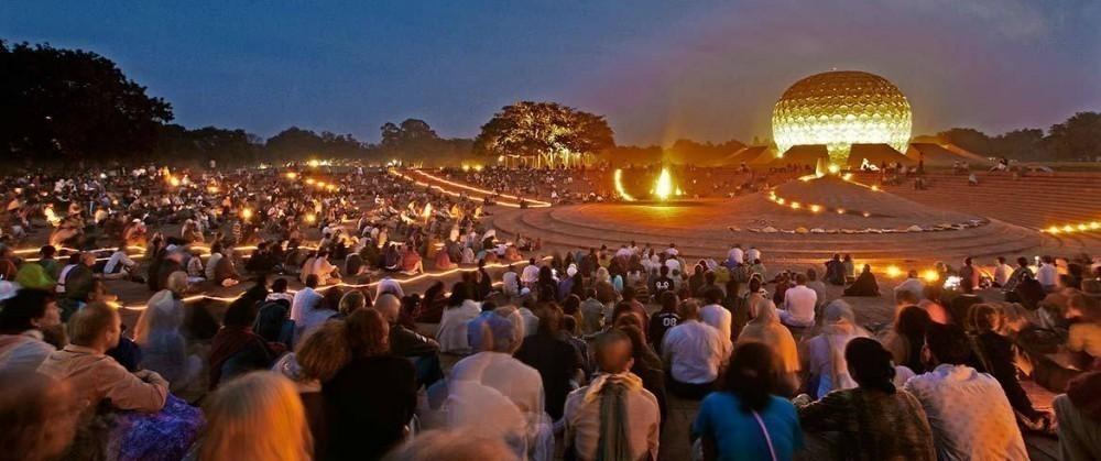 Auroville noche