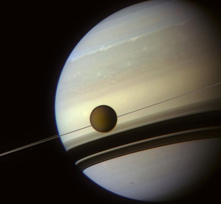 Titan tiene atmosfera