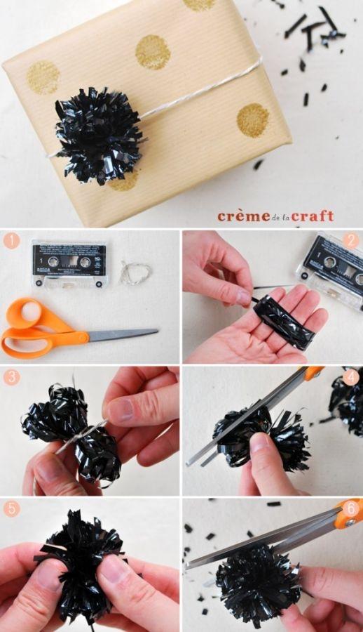 como-hacer-pompones-con-cinta-de-cassette-03-e1366391282778
