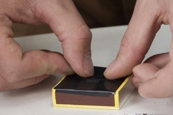 cámara de fotos estenopeica casera  - caja de cerillas