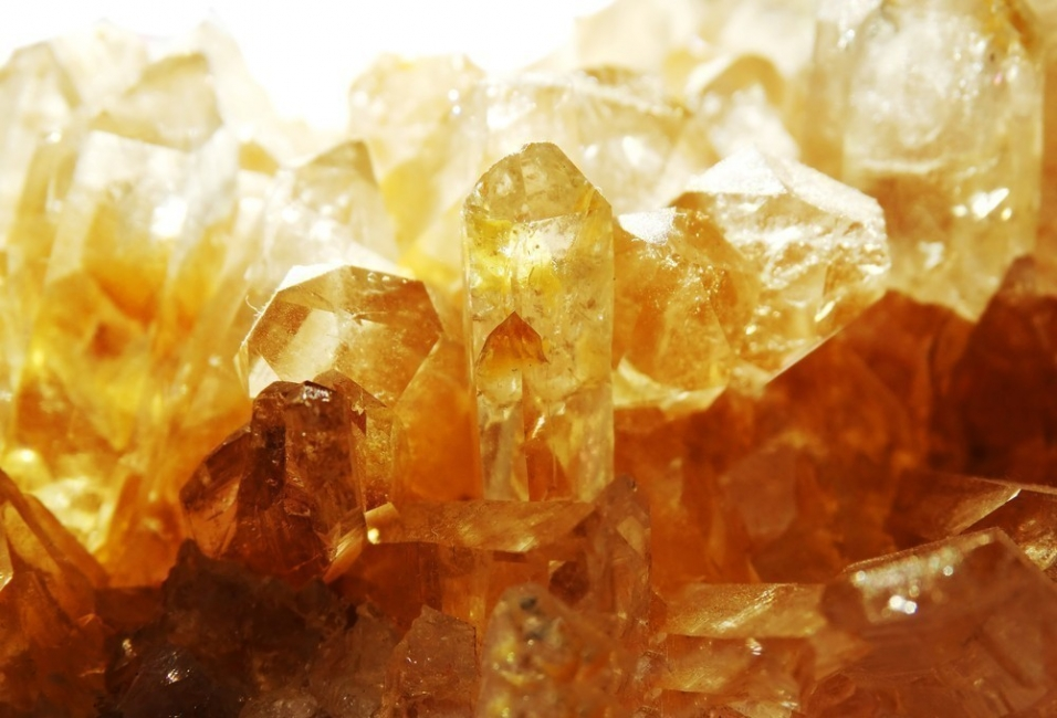 Piedras naturales: usos y propiedades- citrino