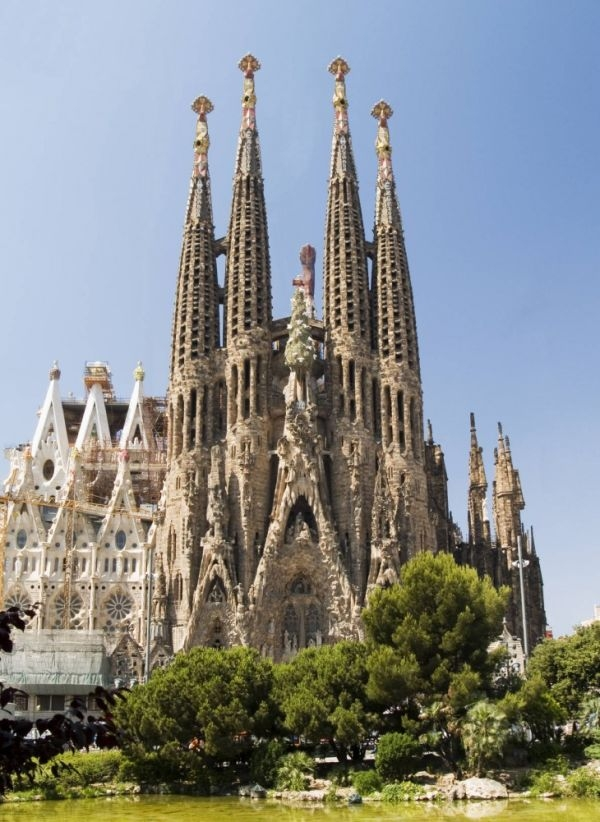 Sagrada-familia-barcelona-espana-730x1001