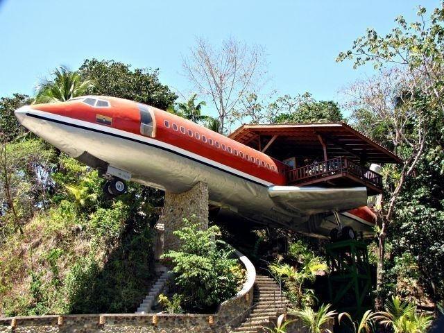 habitacion avion reciclada