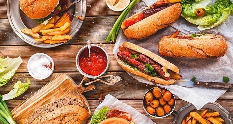 Francia prohíbe a los supermercados botar alimentos con fechas de vencimiento cercanas