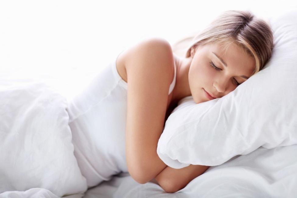 dormir del lado izquierdo de tu cuerpo-