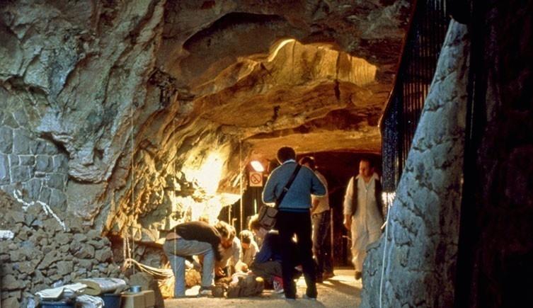 Caverna donde encontraron los restos