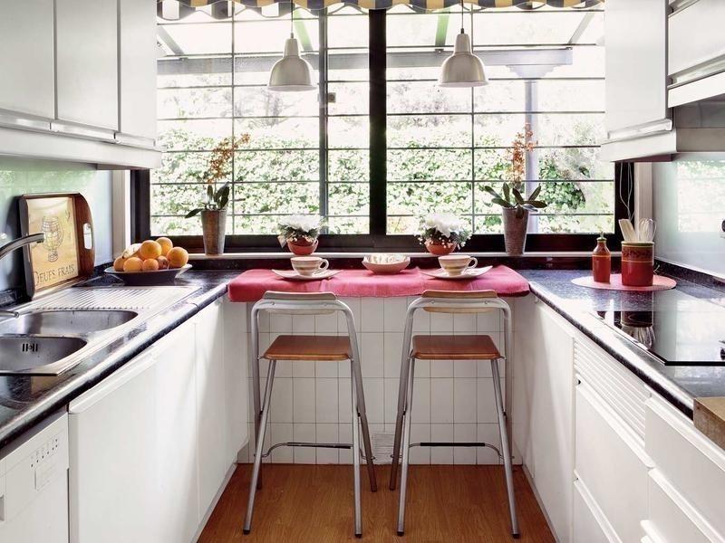 12 ideas para armar una práctica barra en la cocina- mesada
