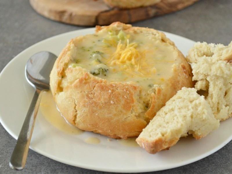 Pan de oliva con relleno cremoso