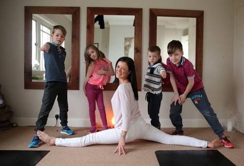 Kim junto a sus hijos