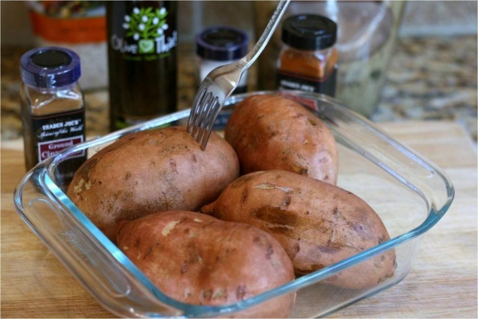 Camotes rellenos de hongos y vegetales - batatas al horno