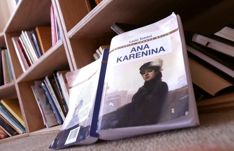 Portada de Ana Karenina por León Tolstoy