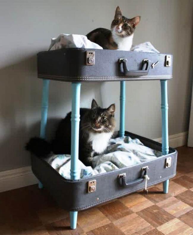 decoración con maletas - cama para gatos