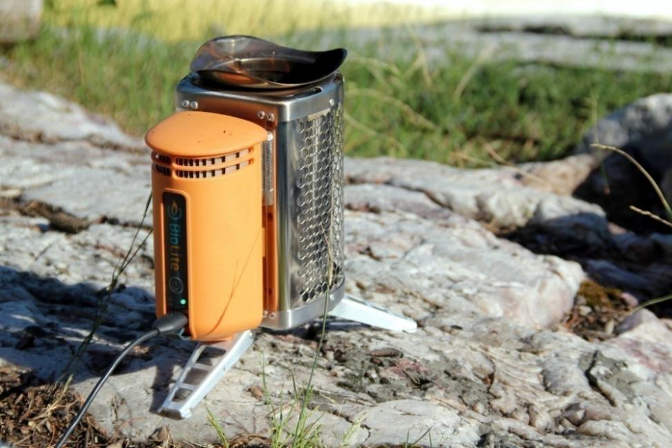 cocina para campamento donde además puedes cargar tu celular- diseño