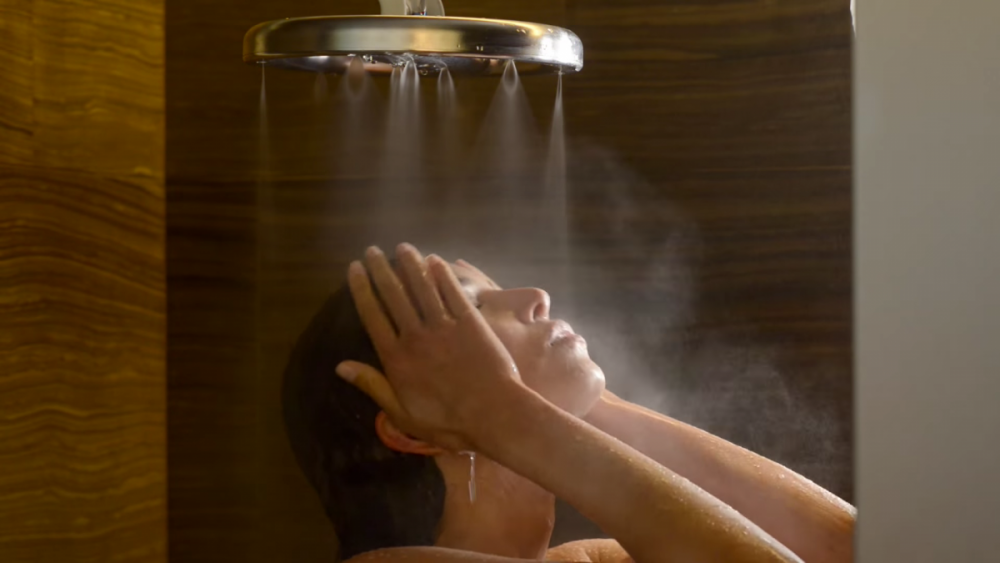 ahorrar agua en la ducha- nebia