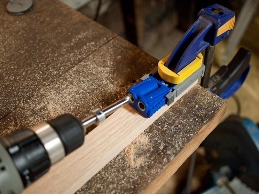 hacer un banco con cuero ecológico- cortar madera