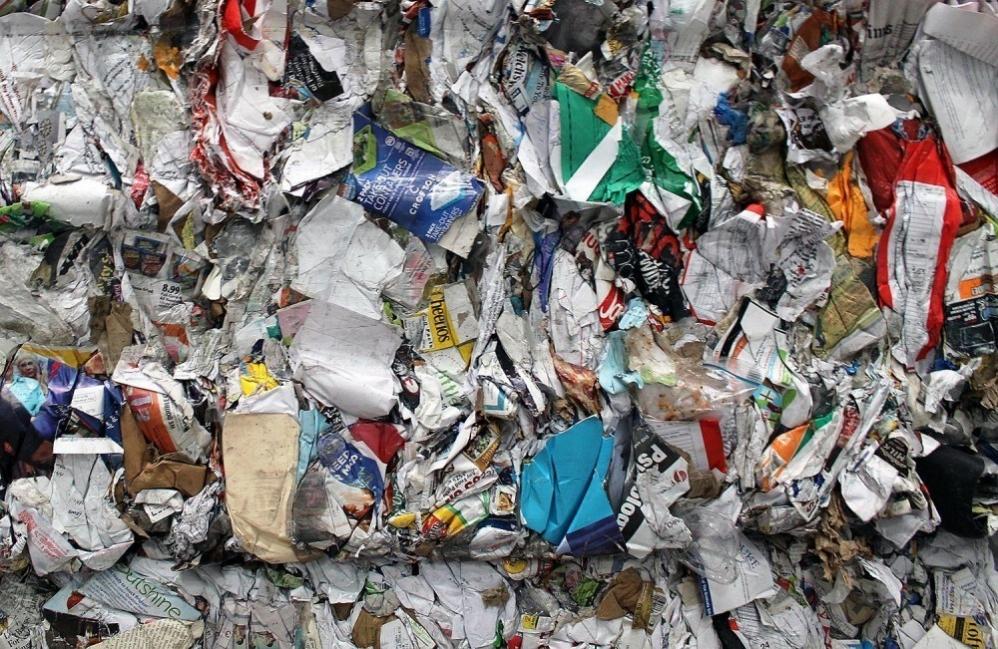 Papel reciclado - papel cortado