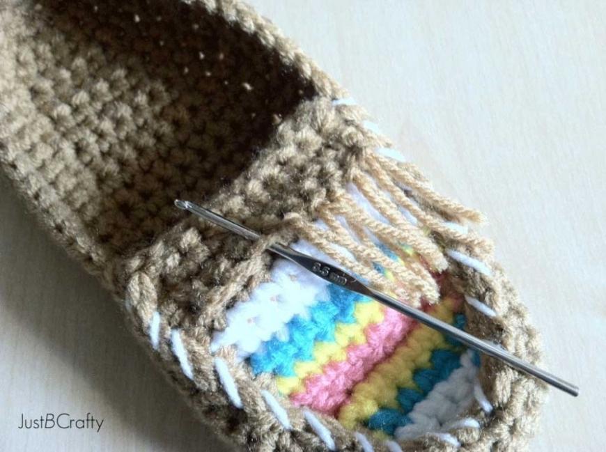 Cómo hacer mocasines tejidos-7