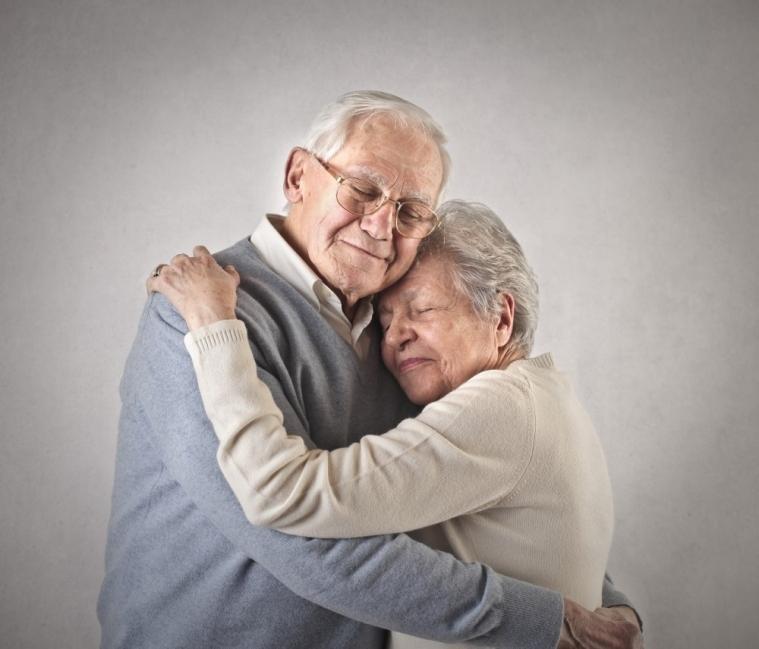 abrazo abuelos