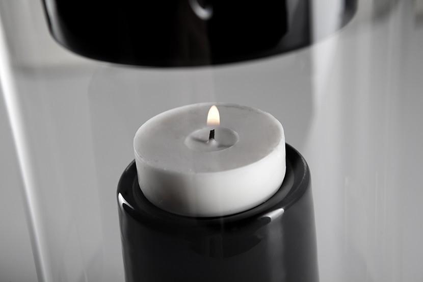 parlante inalámbrico que funciona con una vela