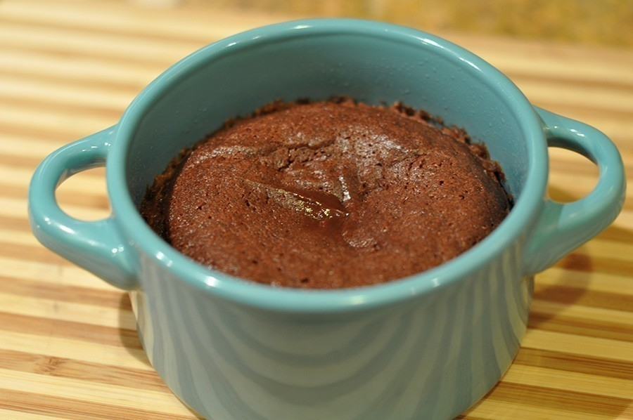 torta de chocolate hornear