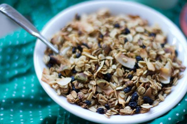 Blueberry-Pistachio-Granola-3