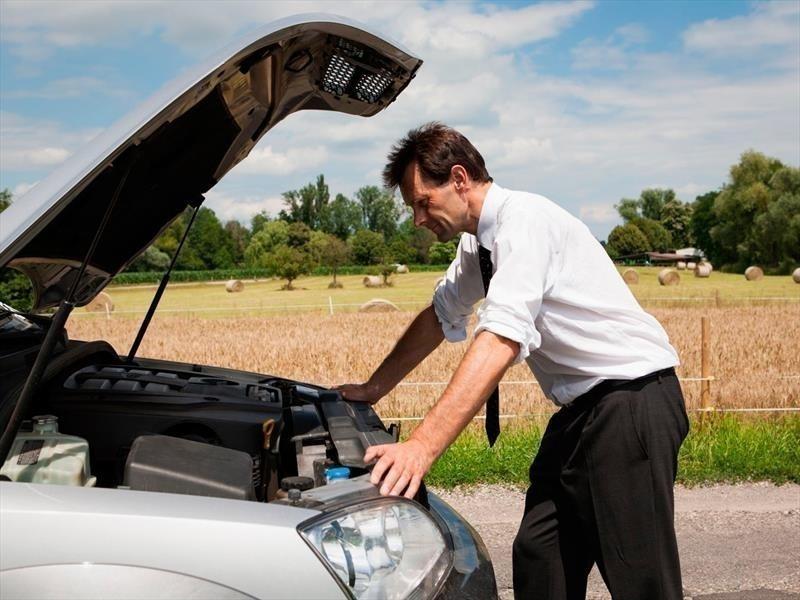 arrancar un coche sin batería utilizando una cuerda